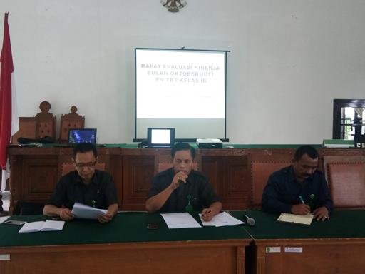 Rapat Evaluasi Kinerja bulan Oktober 2017 PN Tebing Tinggi Kelas I B